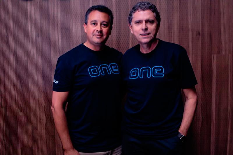Laercio Cosentino, TOTVS Chairman, along with Gonzalo Almada, CEO of RetailApp ™.