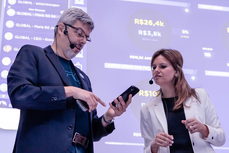 Marcelo Monteiro and Caroline Von Hartenstein went through the new functions offered by the multiplatform.